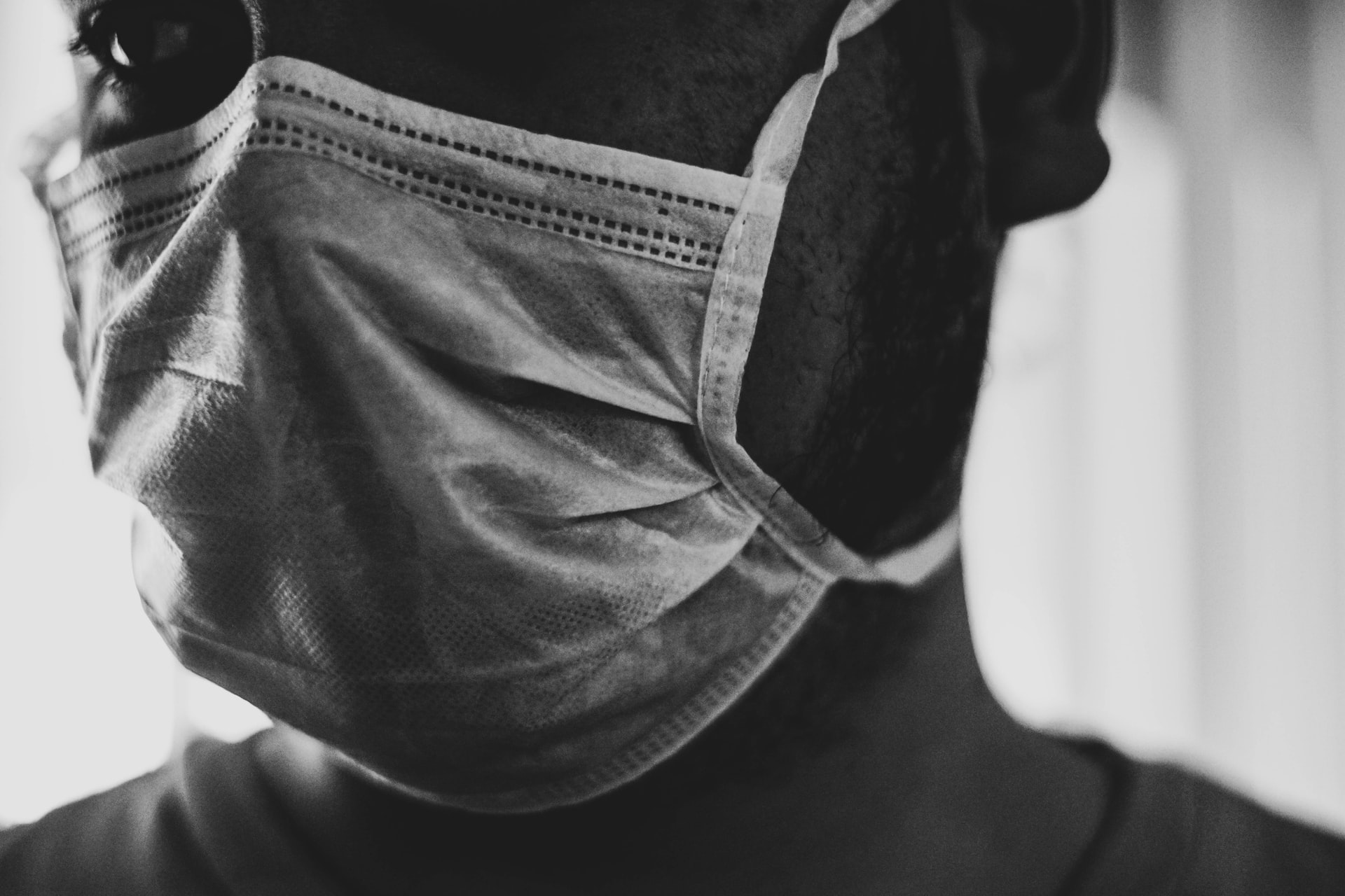 """Luego de un año de pandemia Estado declara mascarillas contra Covid-19 como """"bien público"""""""