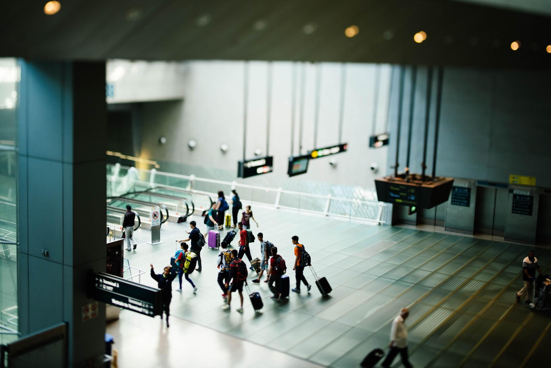 Atención pasajeros: Aprueban protocolo de atención a viajeros que entran y salen del país en vuelos especiales