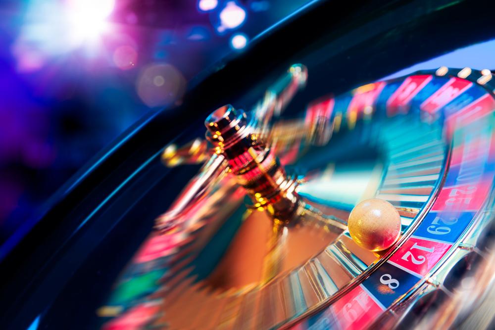 ¿Existe discriminación laboral contra los trabajadores de casinos y máquinas tragamonedas? Un enfoque constitucional