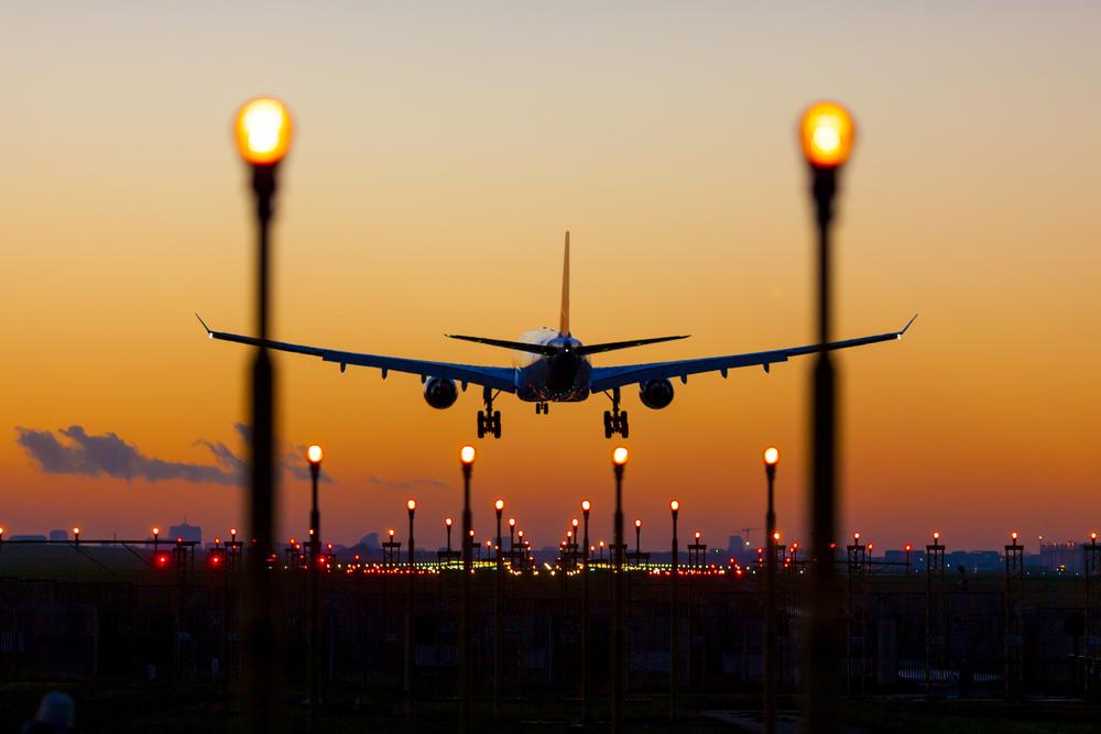 ¡Se incrementan restricciones por Covid-19! Prohíben nuevamente llegada de vuelos de Europa