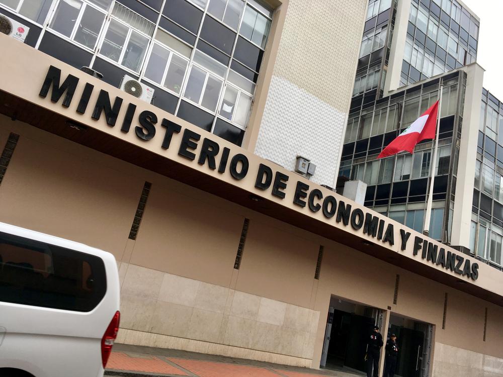 ILEGAL INTERVENCION DEL MINISTERIO DE ECONOMIA Y FINANZAS EN LA NEGOCIACION COLECTIVA ESTATAL